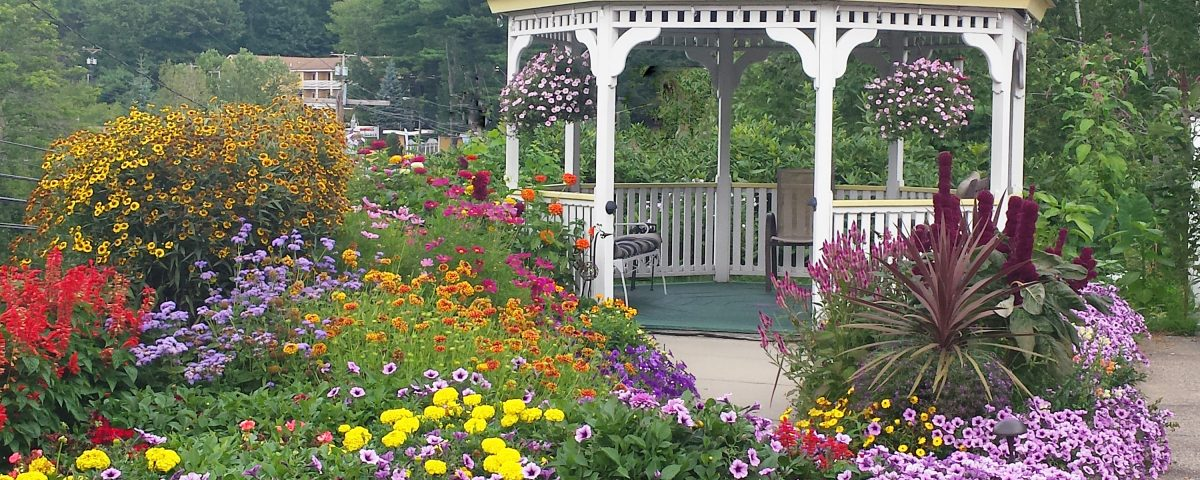 landscaping: gazebo and flowers